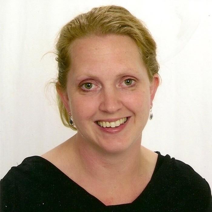 Dr. Kristen Roffey</br> DVM photo
